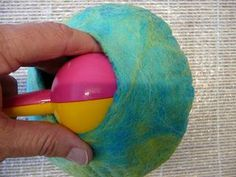 Felting Tutorial - How to Make a Wet Felted Pod / Vessel using a resist (rosiepink)