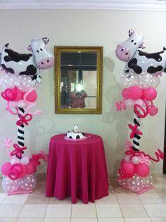Cow Balloon column.  #balloon-column #balloon-decor