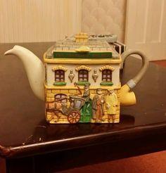 A Christopher Wren tea pot