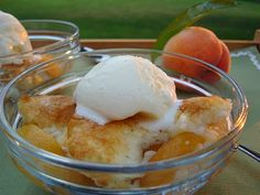 Super easy Peach Cobbler (with canned peaches)