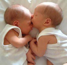 kiss, baby pictures, baby faces, cousins, beauty, angels, twin babies, designer bags, twin boys