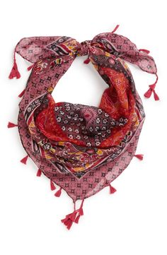 Fall must-have. Pink scarf with tassels.