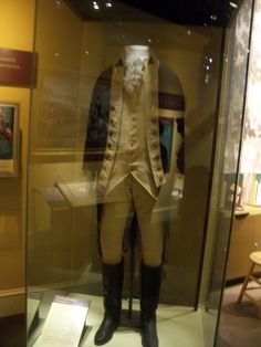 George Washington's uniform displayed in the Smithsonian Museum of American History.