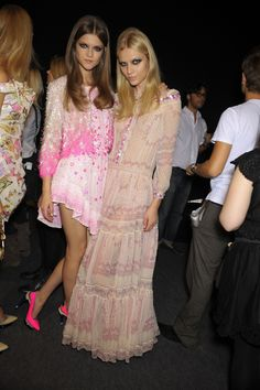 I need the pretty pink dress on the left! Love!