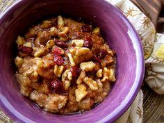Slow Cooker Overnight Cinnamon Apple Oatmeal