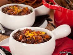 Personal Chef and cooking instructor, Chef Danielle stopped by the Test Kitchen to share her hearty and flavorful recipe for Sweet Potato Black Bean Chili. And man, is it good!  Read more at http://www.mrfood.com/Slow-Cooker-Recipes/Sweet-Potato-Black-Bean-Chili#qEOuvIgOJQvAquHD.99