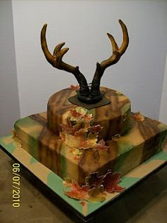 Camouflage Cake....David would LOVE this!!!! He would want to mount it...LOL