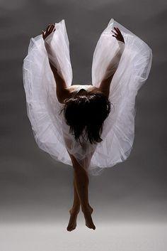 Modern dance - barefoot ballet