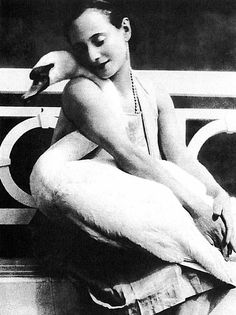 Anna Pavlova with Jack the Swan - 1905 - Courtesy of BFI ©