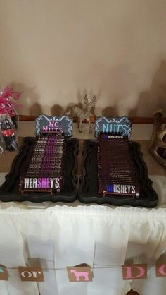 He or She Hershey gender reveal. Pinned by freebies-for-baby.com #genderreveal #baby #babyshower
