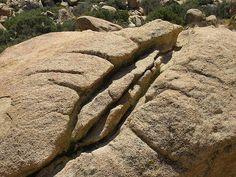 Yoni Rock