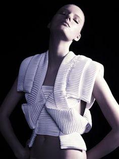 Sandra Backlund #fashion #knitwear #sculpturalclothing #sandrabacklund
