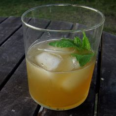 Summer Drink - Front Porch Lemonade with Bourbon, Ginger and Mint