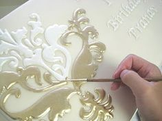 Gorgeous piping... cake decor, stencil paint, eat cake