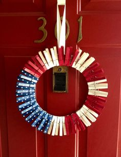 4th of July  Door Hanger Patriotic American Flag Wreath what a cleaver idea.  I love it.