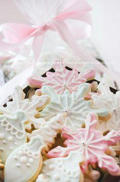 pastel snowflake sugar cookies