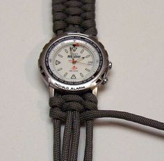 Woven paracord bracelet / watchband