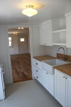 cute simple kitchen reno // via bettershelter