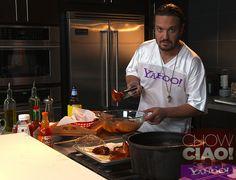 23% of Americans eat HOT WINGS on Super Bowl Sunday.  Try @Fabio Viviani's recipe this year!    Full Episode: http://yhoo.it/VM9lJ1  Text Recipe: http://yhoo.it/VjdlPx