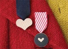 How-Tuesday: Valentine Medals on Etsy