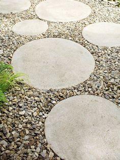 Circular Steppers in gravel