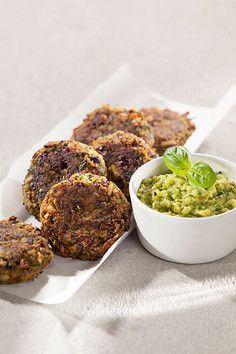 Kidneybohnen-Buletten mit Zucchini-Dip