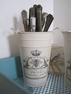 Okio B Designs: Two Dollar Target Buckets Makeover