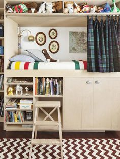 Simon's Bedroom - The Makings of a Fun House on HGTV