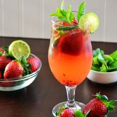 Skinny Strawberry Green Tea Mojitos by momontimeout