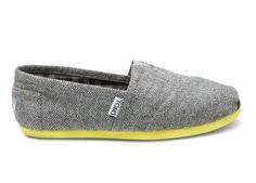 Super cute #TOMS shoes. I'm in love.
