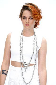 I really love Kristen Stewart's new hair. It suits her well!