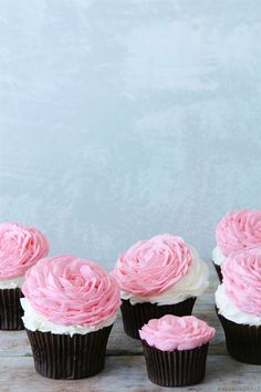 Rose Cupcakes via Bakers Royale