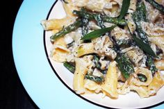 Pasta with Goat Cheese, Roasted Asparagus andLemon