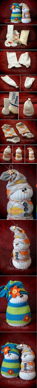 Adorable Sock Snowmen ador sock, fun craft, fav diy, awesom diy, socks, snowman, diy idea, inspir diy, sock snowmen