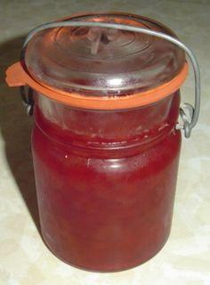 strawberryrhubarb jam, jello freezer jam, freezer strawberry rhubarb jam, strawberry jam with jello, rhubarb jam with jello, freezer jam rhubarb