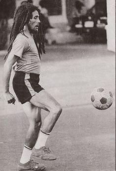 Bob Marley  http://www.facebook.com/pages/Art-of-street/144938735644793?ref=ts=ts