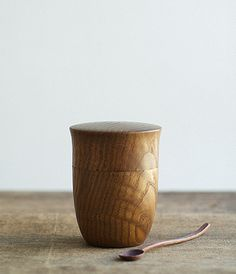 Tea container in Japanese Chestnut. By Tatsuya Aida