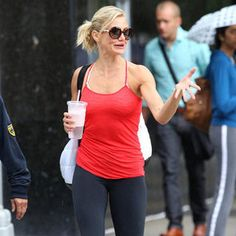 10-Minute Arm Workout With Cameron Diaz's Trainer Teddy Bass--Been doing this routine for two weeks now, it's really toning up my arms! DO IT!