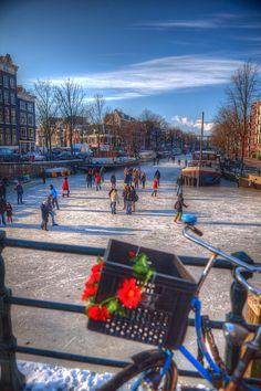 Frozen Winter Canals, Prinsengracht / Brouwersgracht - Amsterdam - Netherlands | Flickr - Fotosharing! #amsterdam #home #netherlands