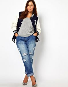 Boyfriend Jeans = awesome plus size fit. They're skinny but without showing lumps and bumps. Perfect with heels. #ASOS #PLUSSIZE