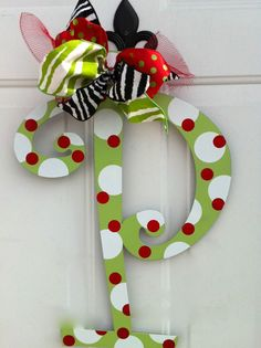 Easy & cute Christmas decor that reminds me of Whoville!