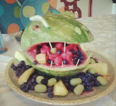 watermelon dinosaur kids party decoration ideas fruit food catering birthday parties, dino parti, dino birthday, birthday idea, watermelon, dinosaur kids party, kid parties, dinosaur bday, parti idea