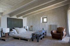 wooden pallet, pallet beds, side tables, shipping pallets, bed frames, wood pallet, pallet tabl, bedroom furniture, pallet furniture