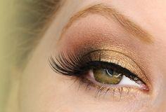 Hazel Eyes: Getting Golden with UD Naked1 Palette