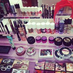 Benefits cosmetics (: