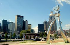 31 Fun Things to Do in Dallas, Texas -- the trolley is free... Farmer's Market... Old classic movies in Nasher sculpture center are FREE... view from Reunion Tower... White Rock Lake... great ideas!!