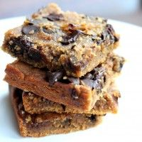 Flourless Chocolate Chip Chickpea Blondies with Sea Salt {vegan, gluten-free}