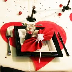 table settings, heart, black red, red and white table setting, de tabl,  white and black party, aqua, red white, tabl set