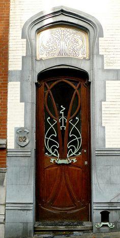 Bruxelles art nouveau (Belgique), rue de Belle Vue / Bellevue straat by Marie-Hélène Cingal, via Flickr doors, entryways, belgium 44, belle, nouveau door, brussels, art nouveau bruxelles