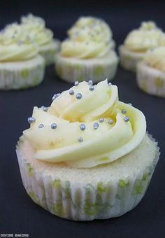Mini Lemon Cupcakes | Delicious Cooking #cupcakes #cupcakeideas #cupcakerecipes #food #yummy #sweet #delicious #cupcake